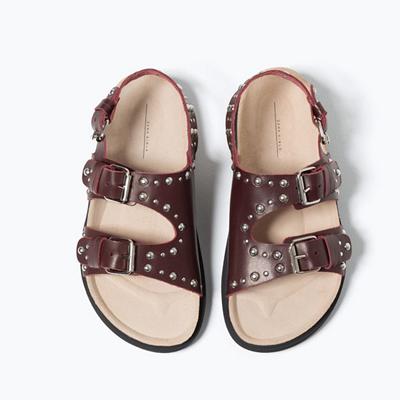 搭扣饰真皮凉鞋